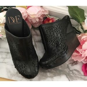 DVF Ode Laser Cuts Black Clogs Mules Wedges 7.5